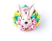 Rabbit brooch | Animal brooch | Easter bunny pin | Needle pin with pink flowers