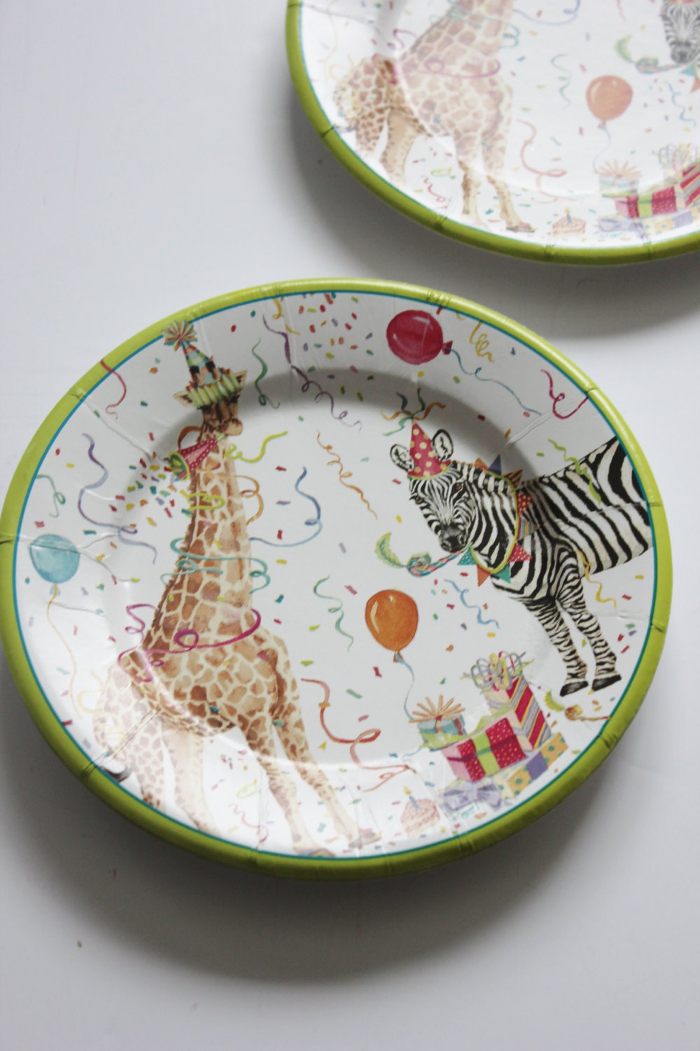 vintage style paper plates Paper plates made from virgin fibers made from renewable raw materials  approved for direct contact with dry and greasy food – 100% compostable.