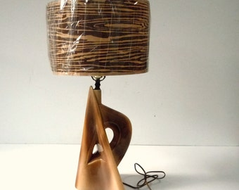 Vintage Modern Ceramic Sculptural Form Lamp / Vintage Lamp with New Wood Grain Shade / Brown Ceramic Table Lamp / Quirky Form / Works