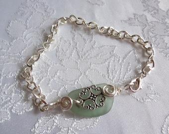 Beach Glass Bracelet in Mint Green