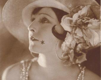 Lilian's Star, Vintage Filmstar Postcard of Lilian Harvey by Ross Verlag, circa 1928