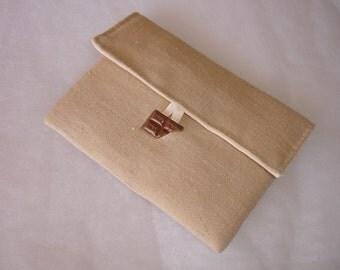 Pochette mouchoirs en lin couleur sable et coton écru
