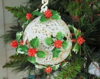 1950s CHRISTMAS. KISSING BALL. 50s 60s Ornament. Christmas Ornament. plastic ornament. doorway ornament. Christmas Decoration. gift idea
