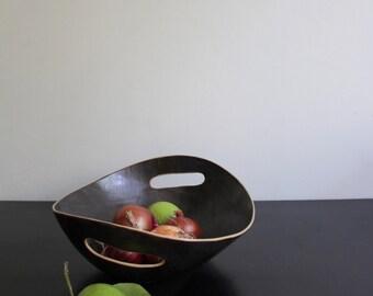 black bowl cutout handles