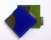 Square Card Case in pure wool felt, business card holder, unisex accessory, eco-friendly accessory, card sleeve, mlmxoxo