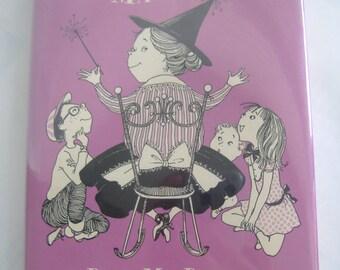 Mrs. Piggle-Wiggle's Magic, Hardcover, Dust Jacket, 1957 Betty MacDonald