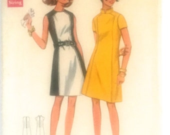 60s Butterick 4795 Dress, Short or Sleeveless Sleeves with Contrast Panel Size 12 Bust 34