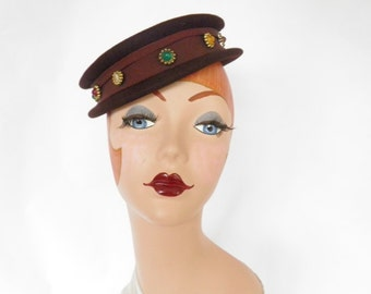 Vintage 1940s hat, brown tilt with ribbon, buttons