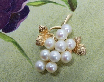 14k Gold & Genuine Pearl Grape Cluster and Leaf Brooch Pin 7.6 grams    NCY32