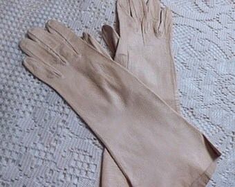 Elegant IVORY  KID LEATHER Driving Gloves Over the Wrist Style, Thin Supple Lady's Size 7 Small, Soft Warm Winter Wear in Long Length