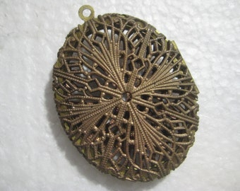 "Vintage Brass Filigree Oval Locket; Cross Pattern,  Made in USA by Guyot, 2"" by 1 5/8"", 1 Pc."