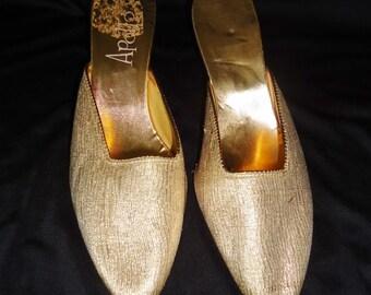 Metallic GOLD Pointy Toe Vintage 1960's Women's Slip On Pumps 7