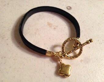 Black Bracelet - Leather Jewelry - Gold Jewellery - Quatrefoil Charm - Fashion - Trendy