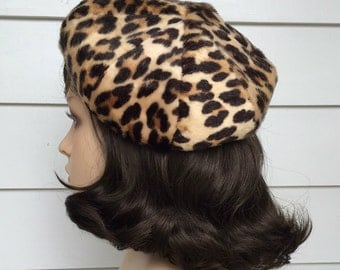 1960s Beret In Faux Fur