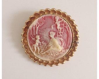 Vintage scenic cherub lady cameo brooch