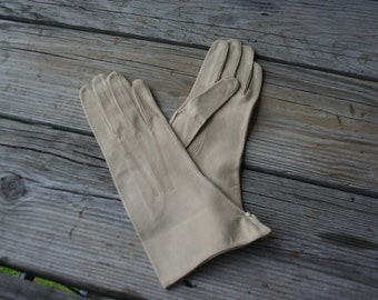 Vintage Tan Leather Gloves Size 6 3/4 Made in France - Gatsby Gloves - Lawn Party Gloves
