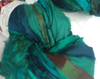 Silk sari ribbon, 200g, premium quality sari silk, ribbon yarn, emerald green. Knitting, jewellery making and more.