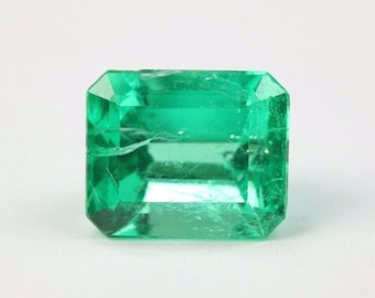 1.60cts Ideal Green Color Natural Colombian Emerald Cut!