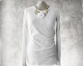 White blouse necklace set/long sleeve scrunch/Crew neck pull over