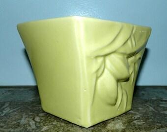 vintage 1940s McCoy pottery vase jardiniere Rustic Line pastel yellow