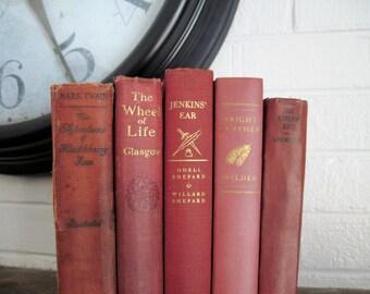 Wedding Table Decor, Wedding Trend, Wedding Decor, Coral Book Decor, Beach Wedding, Antique Books, Boho Wedding Decor, Salmon Books