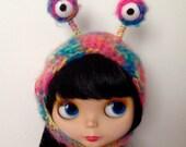 Rainbow alien hat for blythe doll