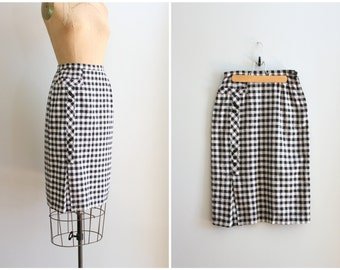 1950s crisp linen pencil skirt - 50s wiggle skirt / Black & White - gingham check skirt / bombshell - vintage 50s summer skirt