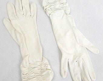 Original Vintage Cream Ruffle Long Gloves