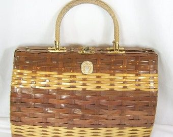 End Summer Sale Vintage 1960s Mr Jonas Hong Kong Box Purse Woven Wicker Straw Brown Gold Lion Head