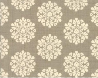 Madame Rouge Soleil Roche Grey Medallion 13773 16 by French General for Moda