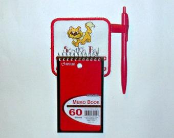 Refrigerator magnet, note pad holder cat themed