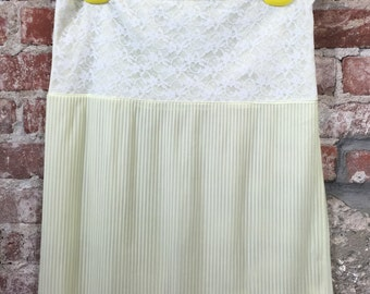 Vintage 80s Women's Lingerie Slip Yellow Mini Pleated with White Lace Size Medium
