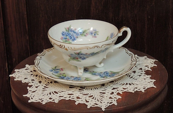Beautiful Vintage 3 Feet Footed Cup & Saucer.. Forget-Me-Not.. Gold Trim
