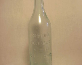c1915-20 Gra - Rock Beverages made By Gra Rock Spring Water Co. Canton , Conn. , Crown Top Aqua Glass Soda Bottle