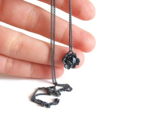 One Flower Sterling Silver Necklace - Black