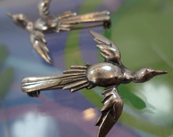 Vintage Brooch : Pair of Flying Birds  (2) Sweater or Collar Brooches Both The Same Flying Birds Sterling 925    (77030)