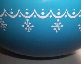 Garland AKA Snowflake Pyrex#444  Cinderella  Mixing Bowl 4 Quart
