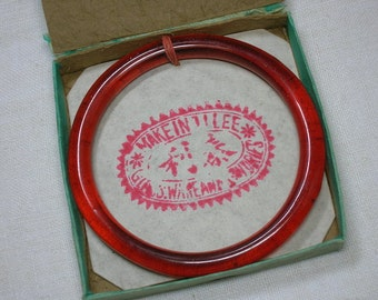 Antique Chinese Export Peking Glass Bangle, in Original Box. RED, 67mm