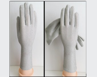 Vintage Gloves //Silver Metallic//Silver Gloves// Rockabilly//Wedding//Party//Prom//Cocktail Party
