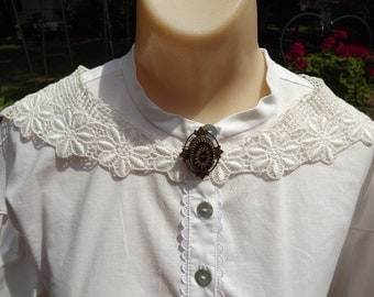 Vintage Off White Embroidered Collar Civil War Collar