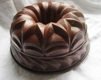 Large Vintage French Copper Kugelhopf Cake Tin Jelly Jello Mold Mould 10 inch diameter Kitchenalia