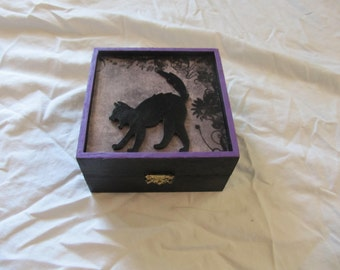 Hissing Black Cat in The Garden Keepsake Box