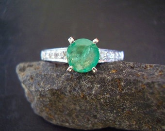 Mae - Genuine Emerald & White Sapphire Engagement Ring - 925 Solid Sterling Silver Ring - Alternative Wedding Ring - Round Cut Emerald Ring