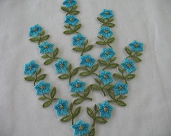 5  EMBROIDERED FLOWER - Iron on in TURQUOISE
