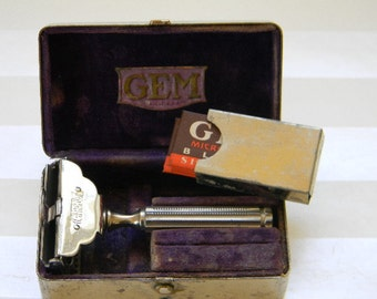 RAZOR, Vintage Gem Razor with Original Metal Case
