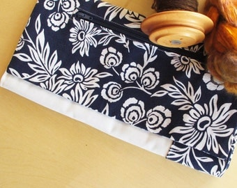 Lap Thing - Spinners Tool - Dark Blue Flower Medleys