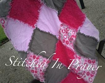 Baby Girl Rag Quilt, Receiving Blanket, Swaddle Blanket, Quilt, Toddler Blanket, Flannel Blanket, Crib Blanket, Pink Blanket, Hearts