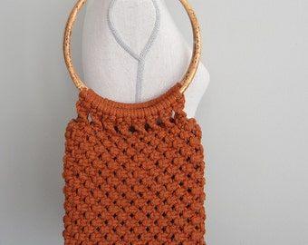 Vintage 60 70s Round Bamboo handles Rusty Orange Shoulder Bag Woven Macrame Purse Mod handbag