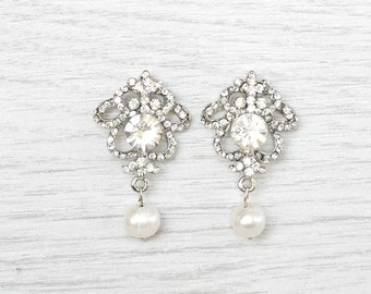 Bridal stud earrings.  Bridal party. Pearl drop earrings. Bridal pearls.  Crystal earrings. Wedding earrings. Bridesmaid earrings.