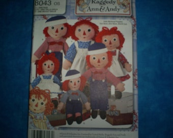 Simplicity 8043 Raggedy Ann and Andy Dolls.